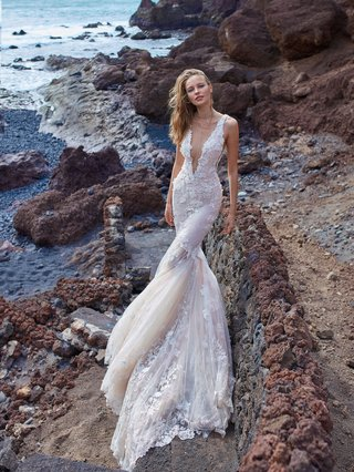 gala-no-v-5-collection-by-galia-lahav-wedding-dress-plunging-neckline-form-fitting-mermaid-gown