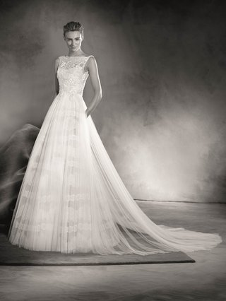 atelier-pronovias-2017-eitana-sleeveless-lace-wedding-dress-with-a-line-layered-skirt-black-white