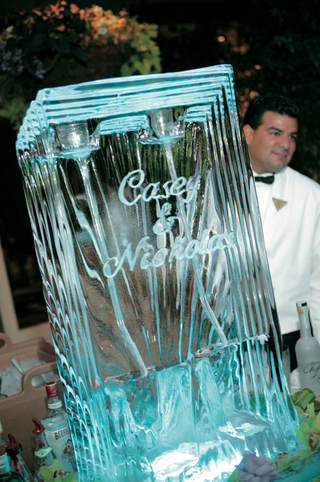 large-ice-carving-with-couples-names