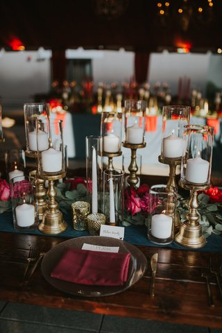wedding-kings-table-garland-runner-candles-on-gold-stands