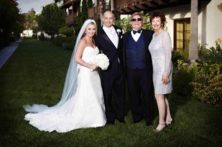 wayne-foster-entertainment-founders-with-bride-and-groom