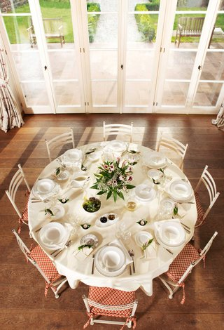 villeroy-boch-gifts-white-porcelain-plateware-including-plates-dishes-bowls-and-glasses