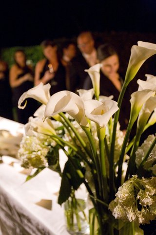 white-calla-lily-and-floral-arrangement