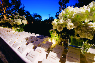 simple-white-seating-cards-in-envelopes