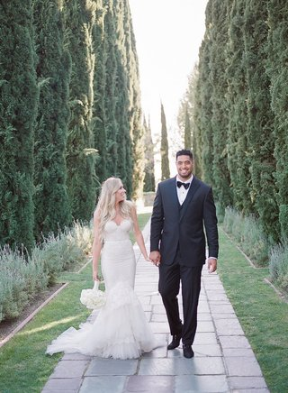 model-stephanie-ming-and-nfl-player-atlanta-falcons-super-bowl-li-winner-levine-toilolo-wedding