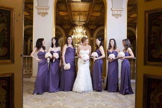 bride-with-bridesmaids-at-the-plaza-hotel-in-nyc