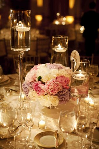candlelit-wedding-reception-with-peony-and-rose-flower-arrangement