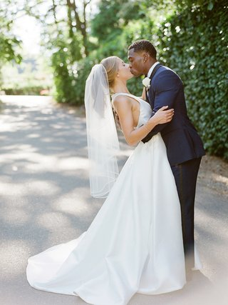 la-rams-brandin-cooks-briannon-lepman-backyard-wedding-at-portland-home-bridal-ponytail