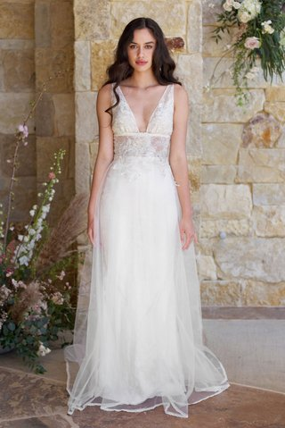 claire-pettibone-romantique-spring-2018-the-vineyard-collection-champagne-v-neck-sheer-lace-dress