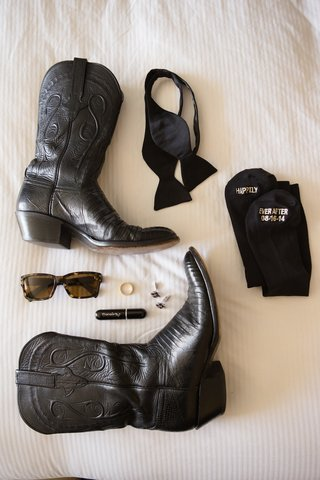 texas-groom-wedding-accessories-with-black-cowboy-boots