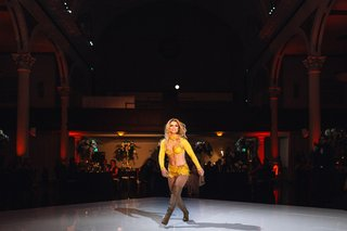 derrick-barry-britney-spears-impersonator-from-rupauls-drag-race-performing-at-wedding