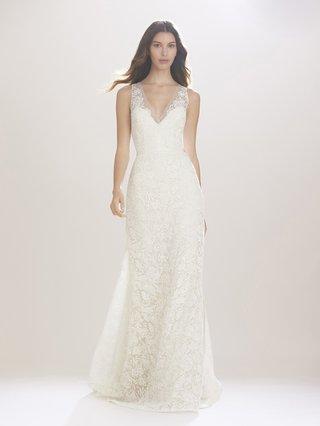 carolina-herrera-fall-2016-v-neck-lace-wedding-dress