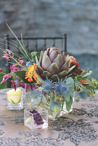 colorful-flowers-and-thistles-in-glass-vase