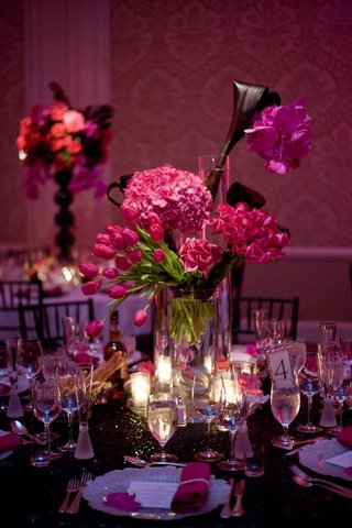 pink-multi-flower-wedding-centerpiece-and-sequin-linens