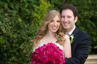 bride-and-groom-with-hot-pink-bouquet-in-la