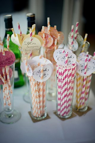 custom-calligraphy-tags-on-paper-drink-straws