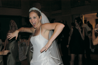 bride-dancing-at-her-wedding