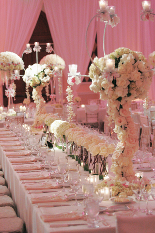 rectangule-table-with-runner-of-flower-centerpiece