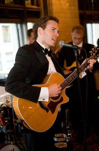band-plays-at-wedding-reception