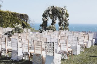 bluebell-events-wedding-designer-charley-izabella-king-created-this-lovely-outdoor-ceremony-for-ufc
