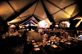 rich-fall-wedding-decorations-for-tent-wedding