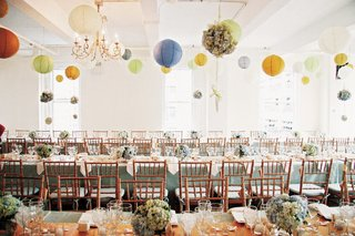 loft-eleven-nyc-reception-hall-with-paper-lanterns