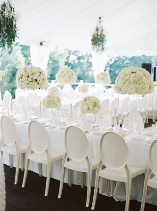 ivory-round-back-chairs-with-white-linens-cream-blossoms
