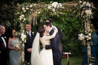 laura-breckenridge-and-husband-share-first-kiss