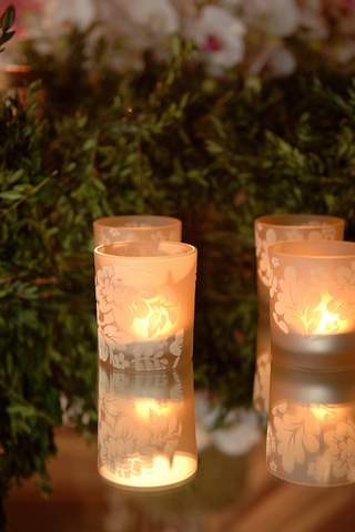 candle-votive-with-etched-glass-in-flower-design
