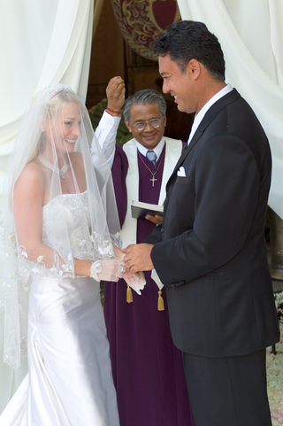 ron-darling-former-pitcher-for-the-ny-mets-and-his-bride-at-altar