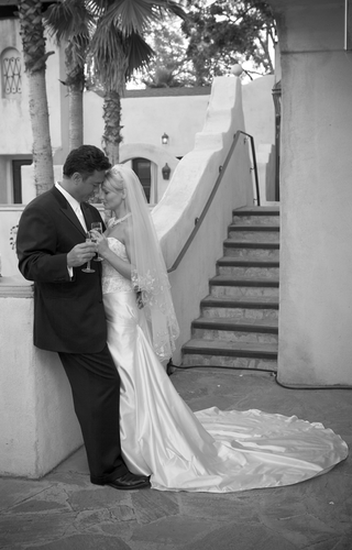 black-and-white-photo-of-ron-darling-former-pitcher-for-the-ny-mets-and-his-bride