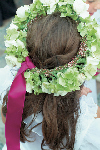 green-and-white-flower-crown-for-flower-girls