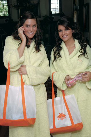 bridesmaids-in-terry-light-yellow-robes