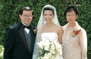 bride-with-mother-of-the-bride-and-father-of-the-bride