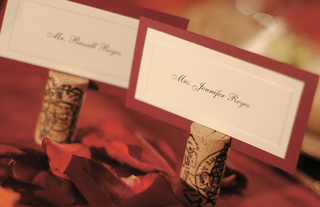 white-place-cards-with-red-border