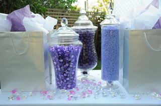 silver-gift-bags-and-purple-candy-station