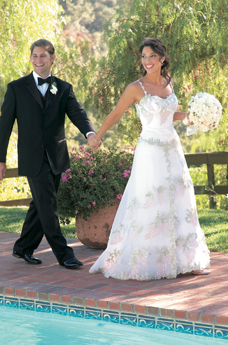 tulle-wedding-dress-with-straps-and-embroidery