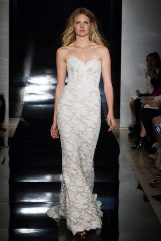 reem-acra-spring-2017-strapless-lace-wedding-dress-with-corset-bodice