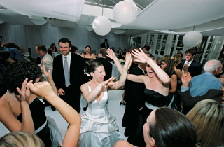 guests-dancing-at-the-wedding-reception
