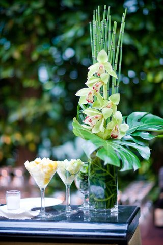 tropical-flower-arrangement-at-wedding-bar