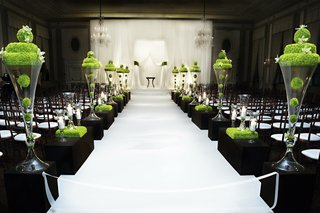 sophisticated-wedding-ceremony-with-unique-flowers