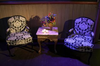 black-and-white-armchairs-with-paisley-pattern