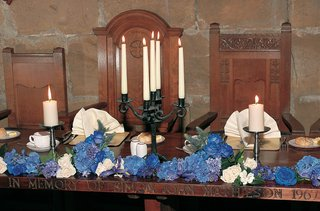 traditional-castle-reception-seating-with-blue-hydrangea