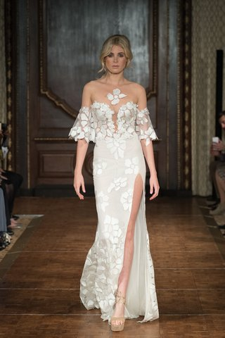 idan-cohen-fall-2017-butterfly-unique-appliques-on-gown-bell-sleeves-plunging-neckline-high-slit