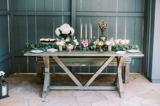engagement-party-inspiration-rustic-chic-desserts-lots-of-greenery-glowers-candles-cupcakes