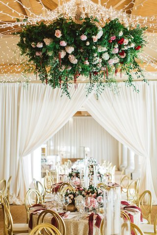 floral-ceiling-fixture-fairy-lights-over-reception-pelican-hill-wedding-gold-red-pink-white-flowers