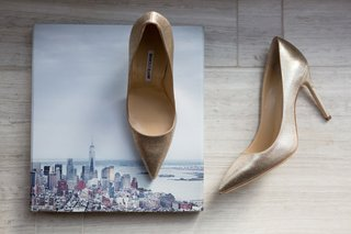 low-bridal-heels-champagne-hue-color-manolo-blahnik-shoes-wedding-new-york-city-picture
