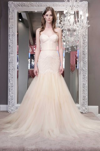 winnie-chlomin-2016-strapless-off-white-wedding-dress-with-trumpet-skirt-and-strapless-bodice