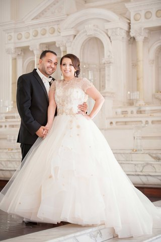 mon-amie-bridal-salon-creative-director-wedding-portrait-in-lazaro-wedding-dress