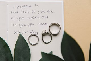 wedding-rings-displayed-handwritten-note-ohio-wedding-jewelry-diamonds-accessories-day-of